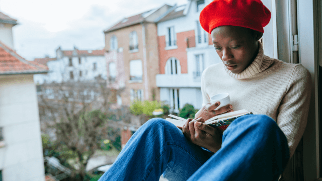 11 Bookstagrammers To Follow For Reading Around The World