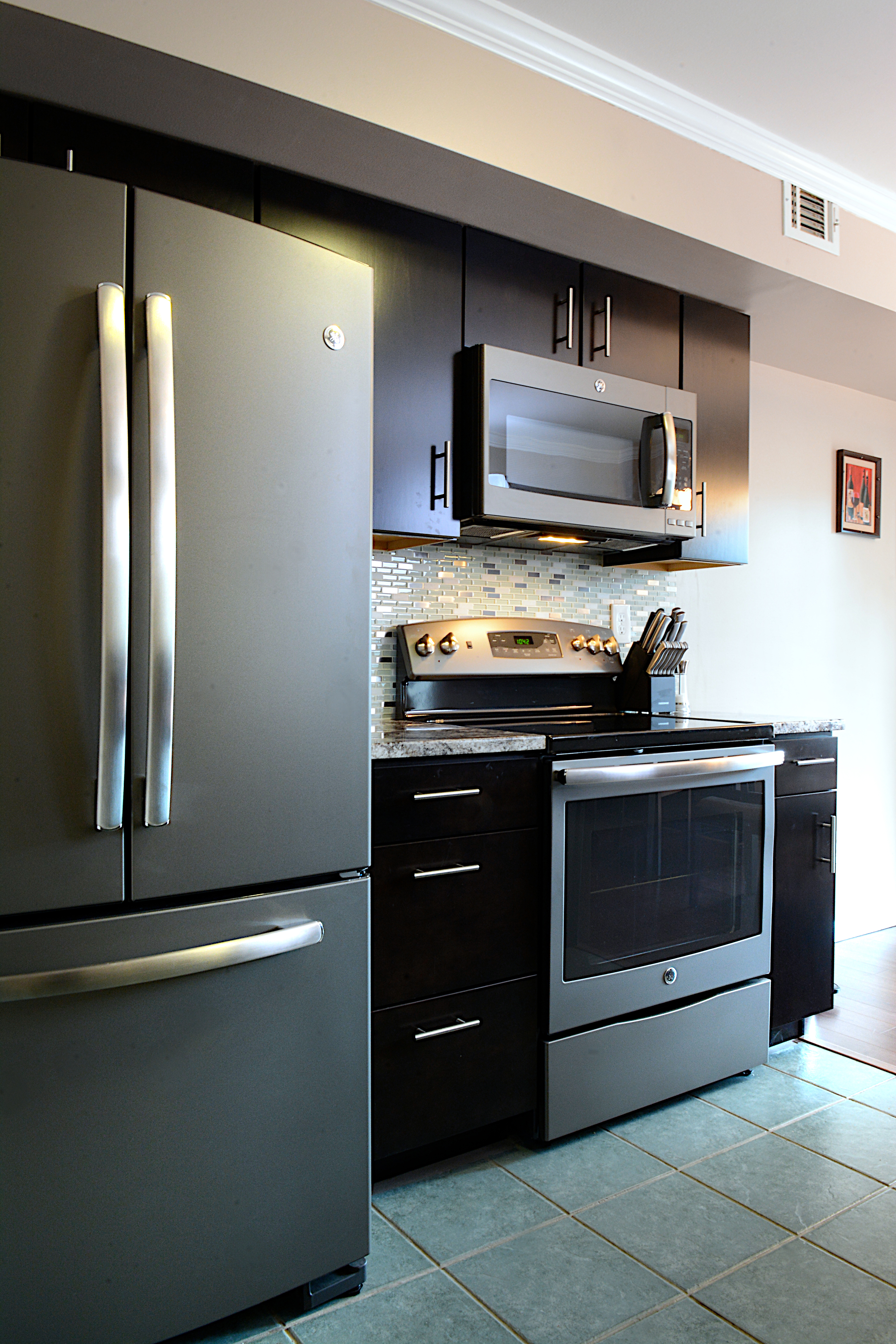 ge kitchen appliances titanium knives consumers go gray in a stylish waywith slate kitchens