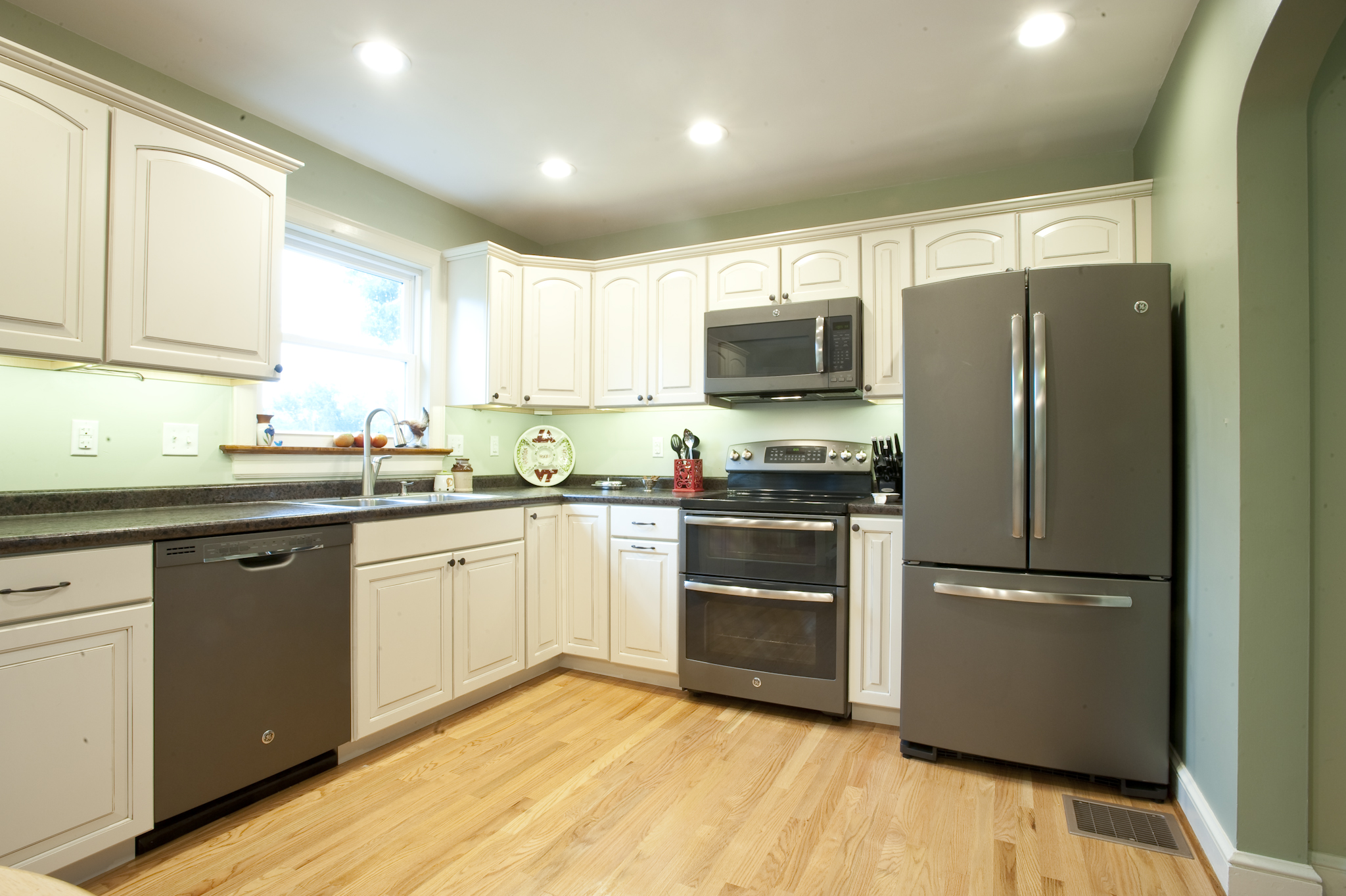 slate kitchen appliances farm sinks consumers go gray in a stylish waywith ge kitchens