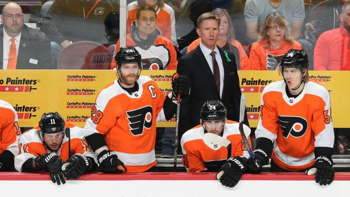 Hakstol's success with Flyers could open NHL doors for college coaches