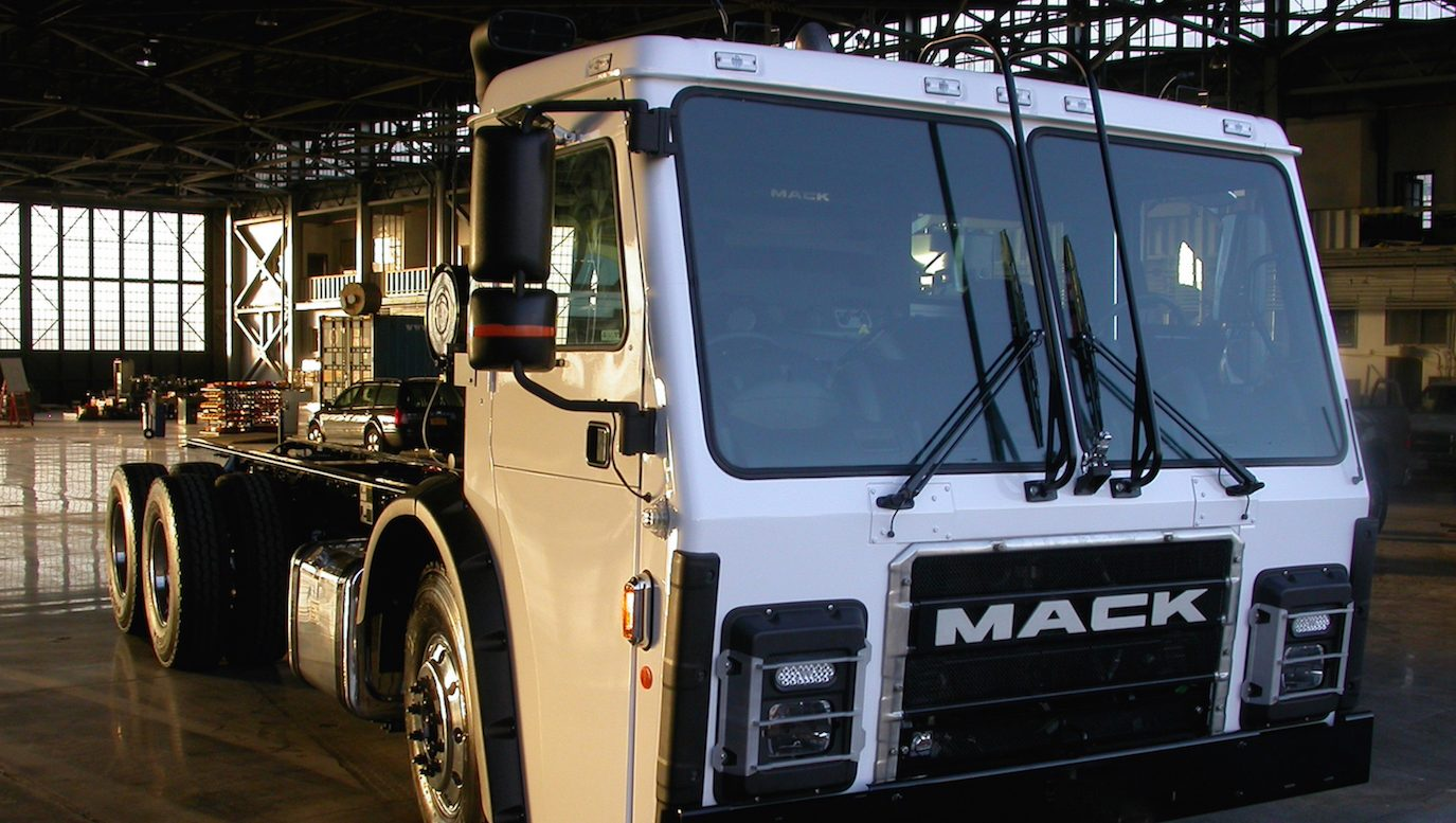 the economics of electric garbage trucks are awesome [ 1375 x 777 Pixel ]