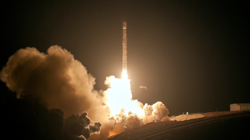 Watch Elon Musk's rocket company SpaceX launch 10 more ...