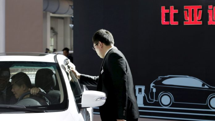 china's yanking away the safety net from electric car makers — quartz