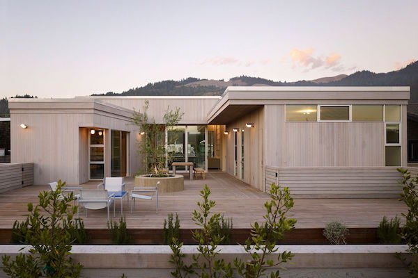 Why cedar siding is better than composites