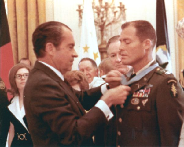 President Nixon Presents the MOH to Robert Howard