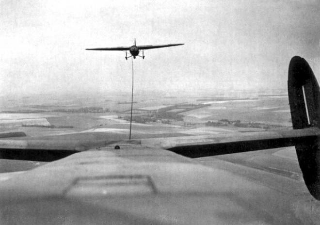 Albemarle towing a Horsa glider