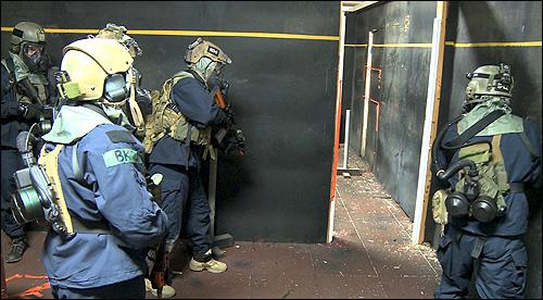 FBI HRT Hostage Rescue Training