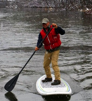 Paddleboard snow