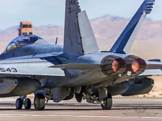 BF_EA-18G_VAQ132-800x600