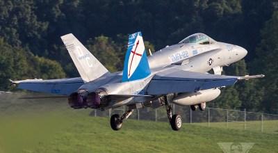 Burner Saturday: VMFA-122 F/A-18C Hornet