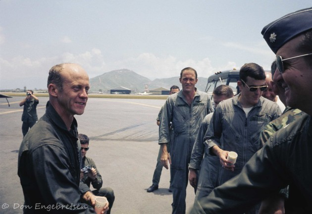 Air Force Lt. Col. Mel Swanson, right, was the commanding officer of the Da Nang-based 56th Special Operations Wing, the Operating Location Alpha Alpha. Swanson flew close ground-support sorties with fellow SPAD pilots throughout the four-day Operation Tailwind in Laos. Here's he's shaking the hand of Jim Wold, the first OLAA commander. (Photo courtesy of Don Engebretsen)
