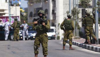 Israeli SF Raids Nablus Hospital, Targets Hamas Hit Squad