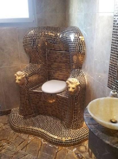 Viktor-Yanukovych-toilet-sofrep-ukraine