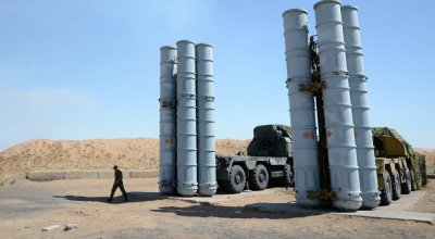 """First S-300PMU-2 """"Favorit"""" Delivered To Iran"""