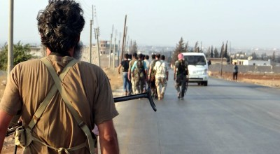 Syria civil war: ISIL kidnaps 300 factory workers