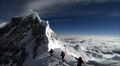Idaho man becomes first combat-amputee veteran to summit world's tallest mountain