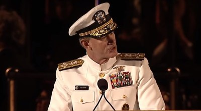 Watch: Navy SEAL Commander Gives the Best Advice to Grads at Commencement