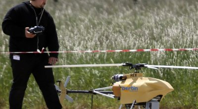 Former NTSB official says drone isn't going to bring airplane down