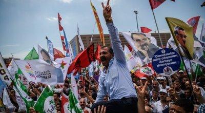 Erdoğan lifts Turkish MPs' immunity in bid to kick out pro-Kurdish parties