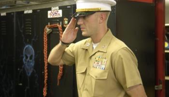 Marine officer wants same treatment as Hillary Clinton