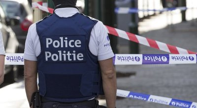 Two police officers attacked with a machete outside of a police station in Belgium