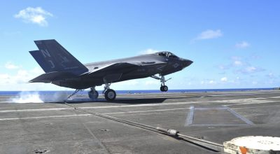 Watch: F-35C Touch and Go on USS George Washington