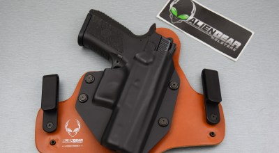 Alien Gear Cloak Tuck IWB Holster: Out Of This World