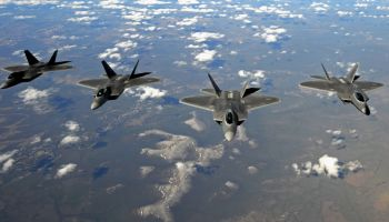 To improve retention, Air Force set to offer fighter pilots $400k+ bonuses