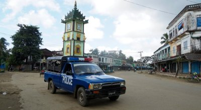 Myanmar says nine police killed by insurgents on Bangladesh border