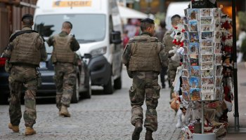 France says it has thwarted a new terrorist attack, 7 men detained
