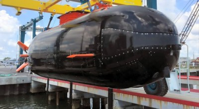 Navy SEALs to acquire new, dry mini-submersibles