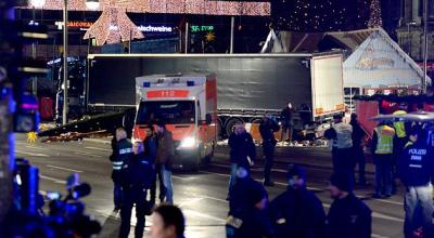 Watch: Aftermath of the deadly truck attack on the Christmas market in Berlin (graphic video)