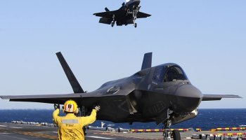 Incoming Secretary of Defense Mattis backs F-35 program criticized by Trump