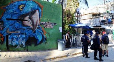 Gunman kills five at a nightclub in Mexico