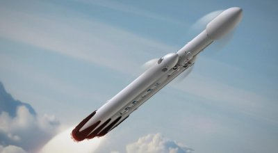 SpaceX announces plans to orbit tourists around the moon in 2018