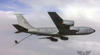 Why Navy Pilots Hate The KC-135