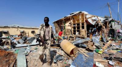Suicide bombing at market in Somalian capital kills dozens