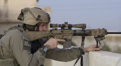 Former Army Ranger Sniper compares bolt vs. semi-auto precision rifles