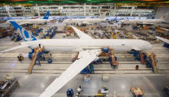 President Trump will attend rollout of Boeing's 787-10 in South Carolina