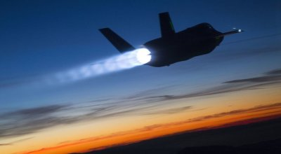 Photo of the day: Lockheed Martin F-35B goes supersonic at night