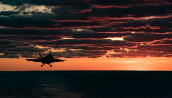 Dwight D. Eisenhower F-18 landing
