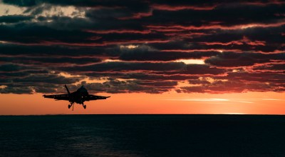 Picture of the Day: F/A-18E Super Hornet Landing on the USS Dwight D. Eisenhower CVN 69 (SUSTEX)