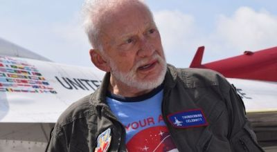 2nd man on the Moon Buzz Aldrin becomes oldest person ever to fly with the Air Force Thunderbirds