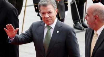 Colombia and FARC rebels extend weapon hand-in deadline