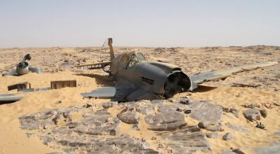 Aircraft Lost in Time: Story of WWII P40 Found in Desert After 70 Years