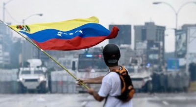 How Will the Venezuelan Military Respond to the Constitutional Vote?
