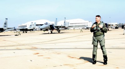A retired elite fighter pilot says 2 lessons he learned as a teenager guided him through his 23-year military career