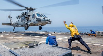 Picture of the Day: MH-60S Sea Hawk Helicopter Departing the USS Princeton CG 59