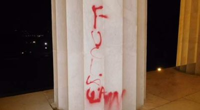 Lincoln memorial vandalized, reactions vary widely