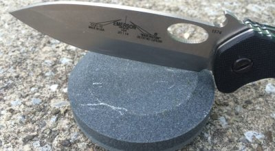 Knife sharpening tools | The Lansky Puck